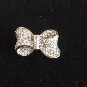 Sterling silver ring with pave' bow detail